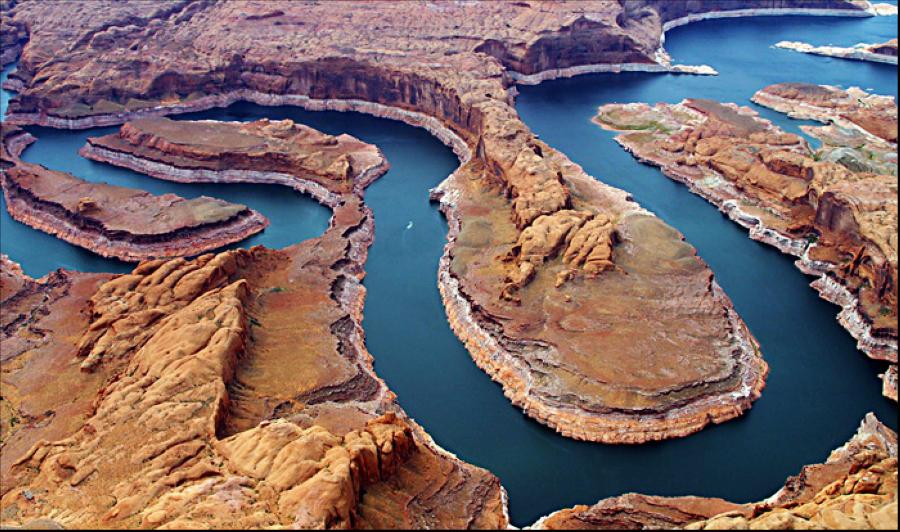 鸟瞰马蹄湾 此图来自百度百科网