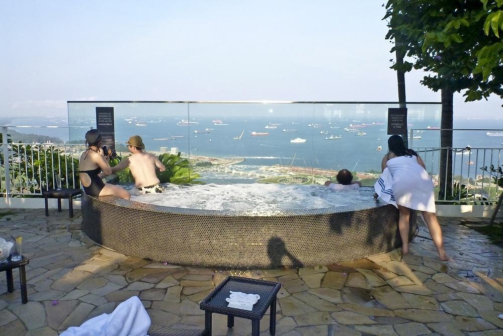 新加坡--金沙酒店的屋顶游泳池