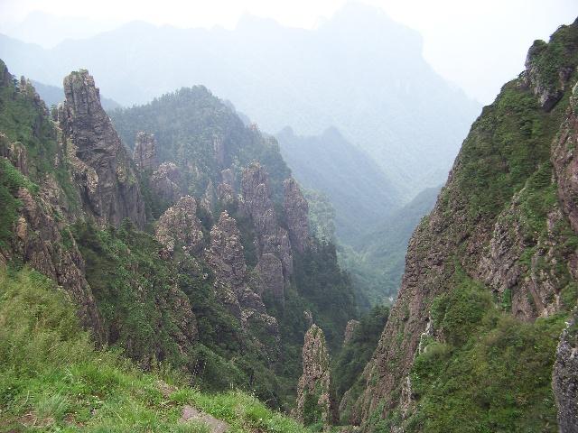 走进神农架(六)神农架神农顶景区之了望塔,神农谷