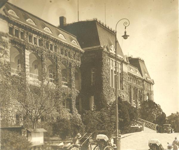 青岛老建筑(八)——胶澳总督府