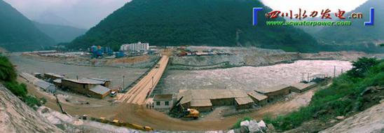 老鹰岩水电站(图片616暂缺) 位于石棉县城附近2公里处的大