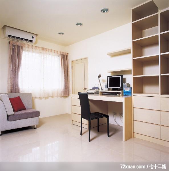 最新家庭装修书房效果图2010