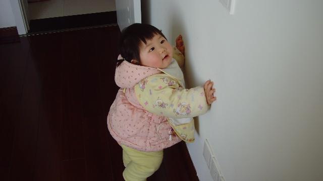 喜欢亲爸爸妈妈的小孩-小丫头-搜狐博客