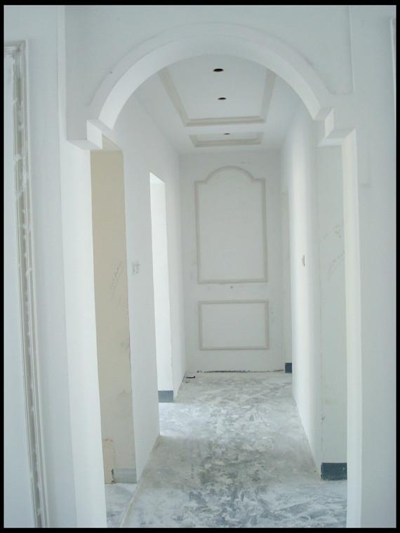 客厅无吊顶贴石膏线_图片素材