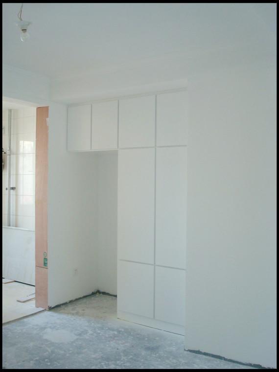 卧室的衣帽间,设计的为拐角衣柜