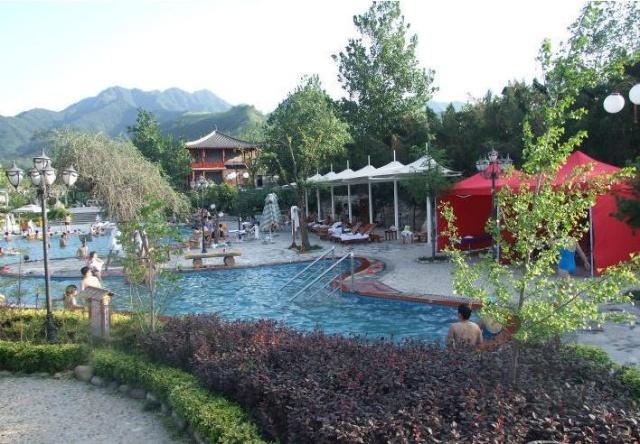 位于西安大雁塔以南38公里的东汤峪—蓝田汤峪,早在唐代一温泉著名