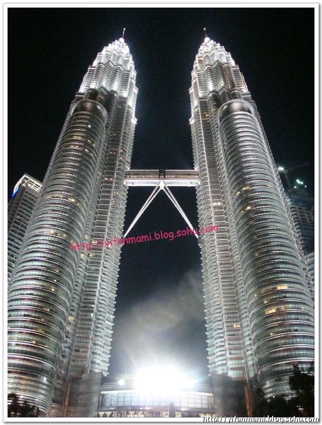 路过吉隆坡——双子塔下