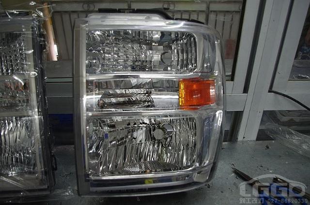福特e450房车(全国只有7台)大灯改4透镜,实现4近4远
