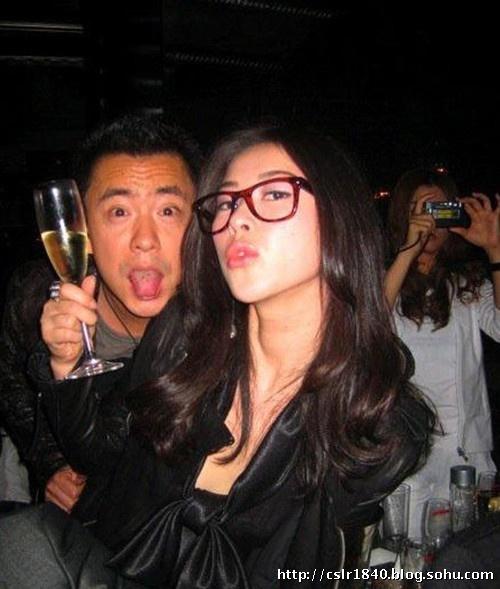 上海女主播酒吧豪放狂欢任人拍任人摸有何隐情